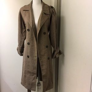 Forever 21 Trench coat Size Small